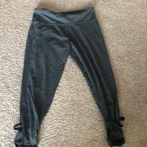 Victoria Secret Sport gray leggings Capri like new